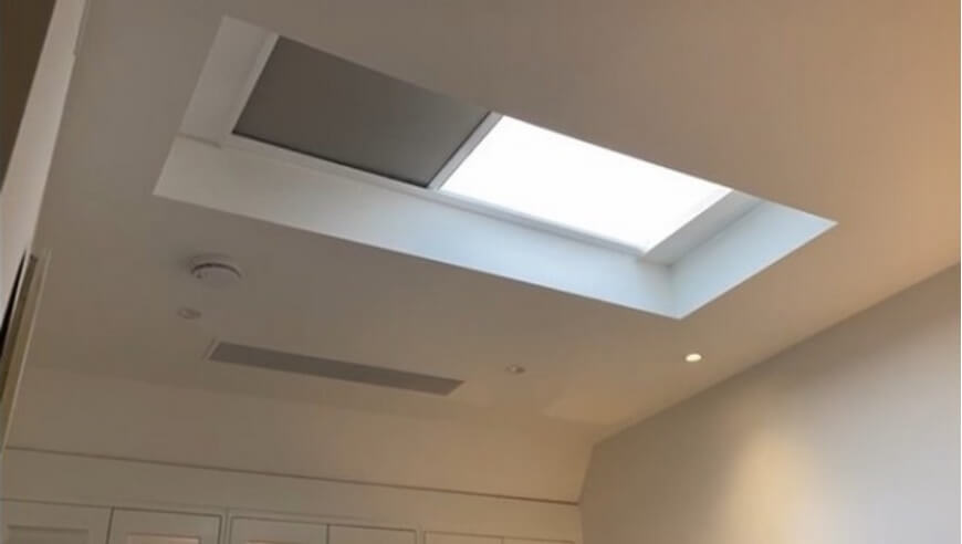 Battery Powered Electric Roof Lantern Blind
