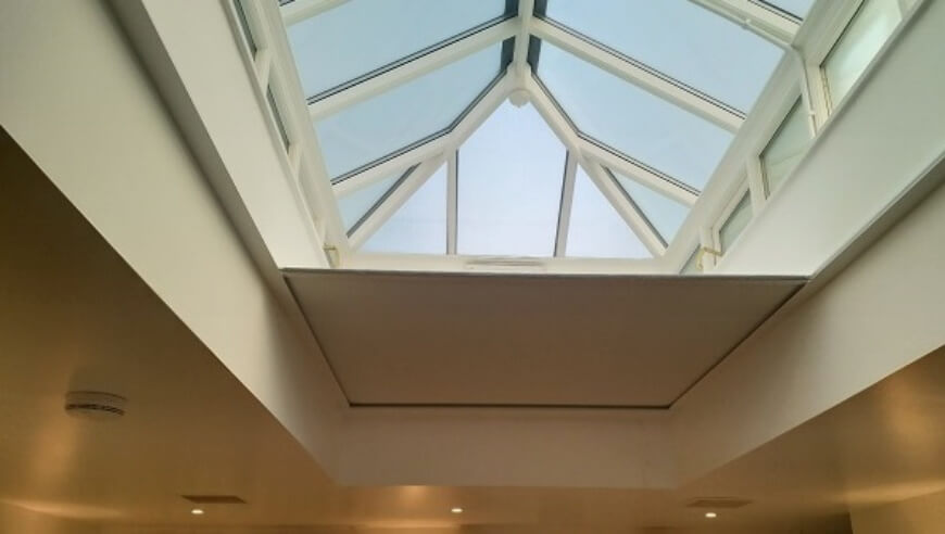 Solar Battery Powered Electric Roof Lantern Blind