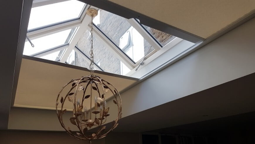 Mains powered electric roof lantern blinds